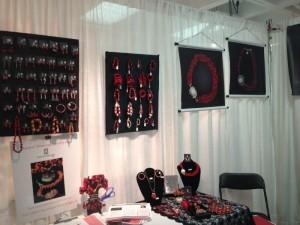 Mis disenhos de joyas son inspirados en la cultura Peruana, usando materia prima Peruana; con disenhos modernos y siguiendo las ultimas tendencias de la moda.