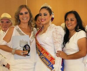 Nuestra Cultural Attache de la Embajada de Perú en Washington DC la Sra. Flor Díaz, siempre presente apoyando el esfuerzo por difundir el Perú.