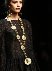 Spring-Summer-2014-accessories-trends-from-Dolce-and-Gabbana-collection-coins-necklace